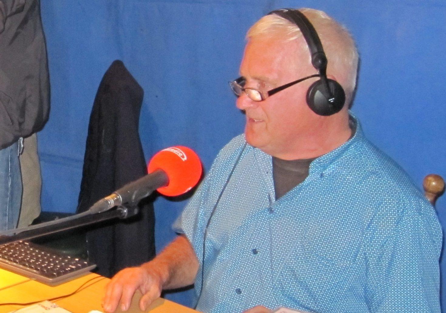 Klokradio in Oud-Alblas op locatie